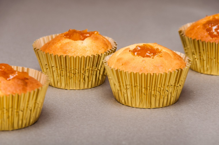 Imbieriniai keksiukai su abrikosų džemu