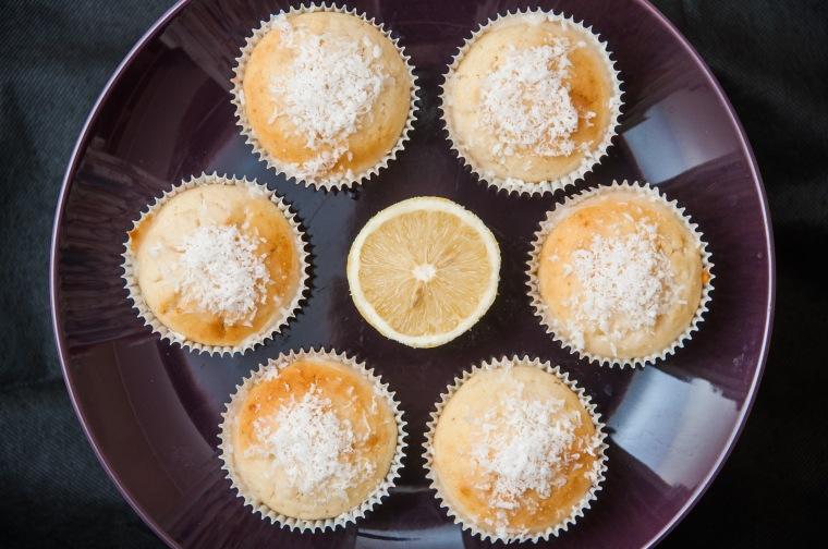 Veganiški citrininiai keksiukai su kokosais 3